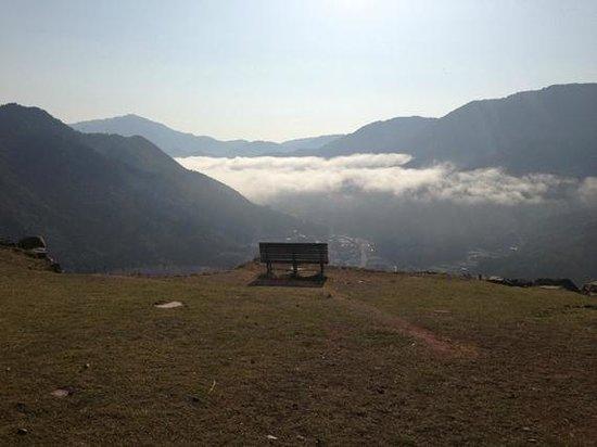Takeda Castle Ruin : 今もこのベンチがあるといいのですが・・・スバラシイ眺めです。