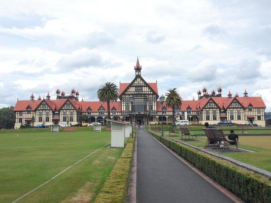 Government Gardens : rotorua museum