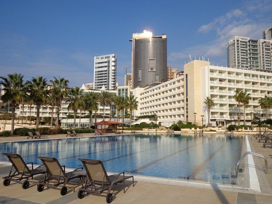 Mövenpick Hotel Beirut : Piscine