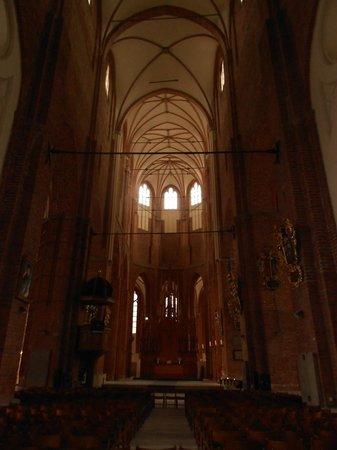 St. Peter's Church : Внутри церкви