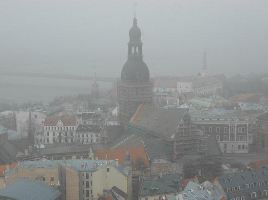 St. Peter's Church : Вид со смотровой при тумане