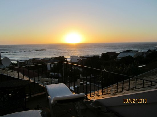 The Bay Atlantic Guest House : Sunset