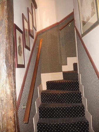 Hotel Relais Saint-Germain: L'escalier qui monte à la chambre