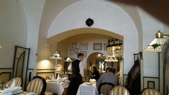Hotel Promenada Restaurant: Места по записи за 1 день.