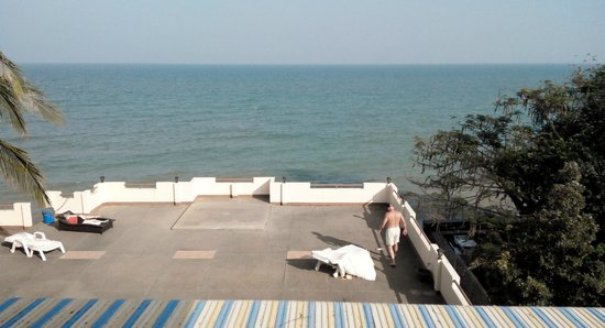 Sea Breeze Guest House: View from restaurant deck