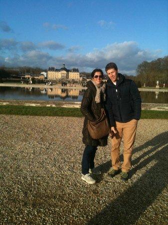 Chateau de Vaux-le-Vicomte: Admirez le reflet du château dans le plan d'eau miroir !