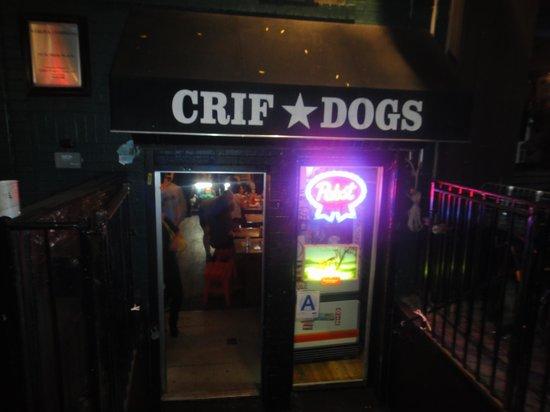 Crif Dogs: Entrada