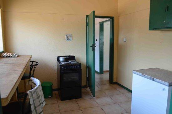 Zinga Backpackers: Guest Kitchen