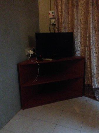 Sandy Beach Resort: Television