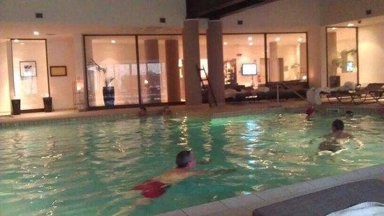 Principe Di Lazise: La piscina interna