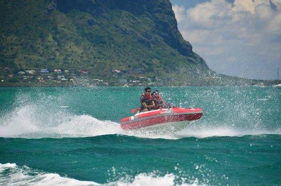 Fun Adventure Mauritius Ltd: Hitting a small wave