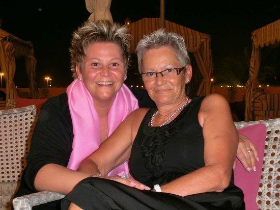 Moroc Lounge & Bar : Meine Tochter und Mama Battuta