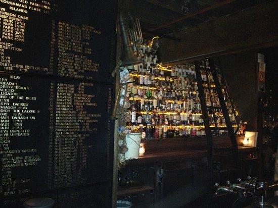 The Baxter Inn : Half the menu and half the bar... impressive much?