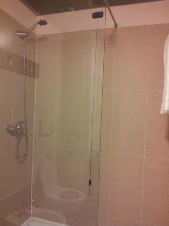 B&B Hotel Firenze City Center: douche