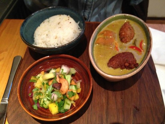 Food for Friends: Coconut curry with falafel mango and papaya