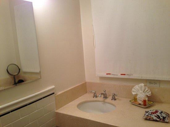 Bayside Hotel: バスルーム