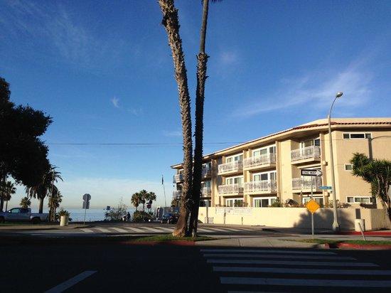 Bayside Hotel: ホテルの外