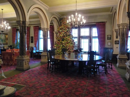 Camelot Castle Hotel: KING ATHURS TABLE