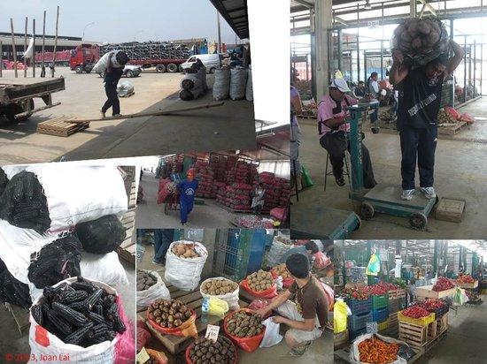 Discovering Peru: Huge Vegetables Market