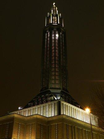 Église Saint-Joseph : Saint-Joseph vue de nuit sous la neige