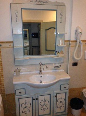 Hotel Dolomiti: Bagno