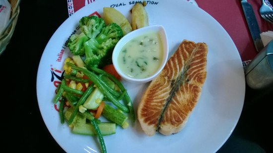 Scoozi: Grilled Salmon