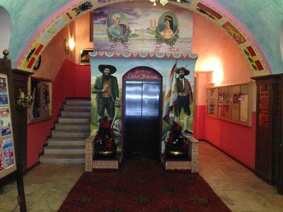 Hotel Dolomiti: Ingresso