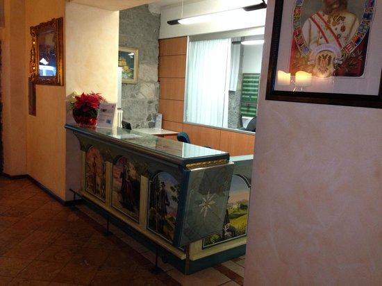 Hotel Dolomiti: Reception