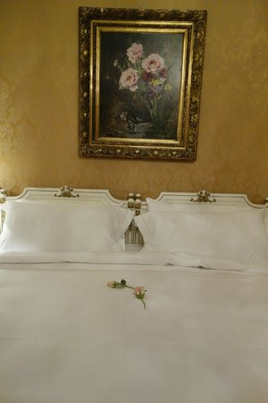 Hotel Imperial Vienna: Guest room