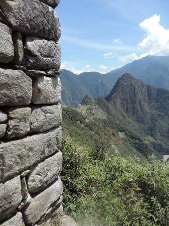 Intipuncu: Vista da Porta do Sol (meio do caminho)