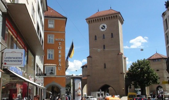 Hotel Torbraeu: Torbrai Hotel e la porta ISARTOR