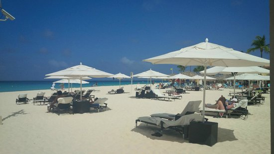 Bucuti & Tara Beach Resort Aruba: Ample room on the beach