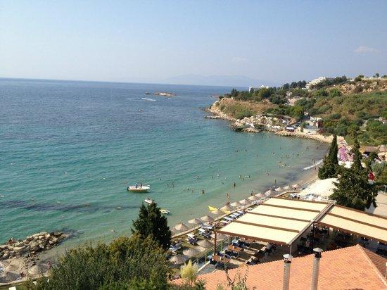 Sealight Resort Hotel: Beach view