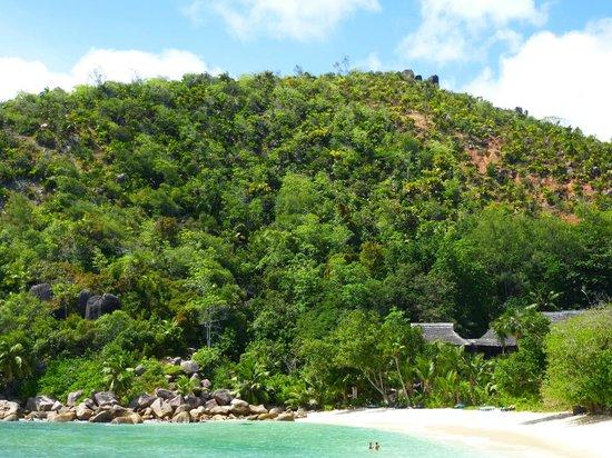 Constance Lemuria: Anse Kerlan, plage principale de l'hôtel
