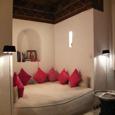 Riad 144 Marrakech : ALCOVE DANS LA CHAMBRE BELDI