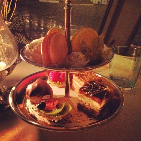 Bellevue Brasserie : Petit fours With a coffee! A meal in itself