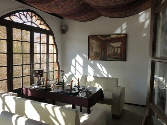 ViewPoint Lodge & Fine Cuisines: Downstairs dining area