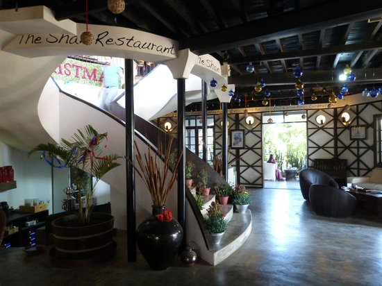 ViewPoint Lodge & Fine Cuisines: Lobby