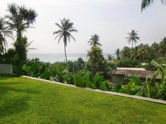 W15 Escape: Blick vom Pool auf das Meer