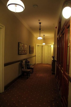 Art Hotel: Corridor