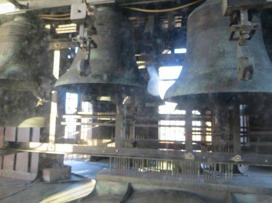 Iglesia de Nuestro Salvador: Campane dismesse
