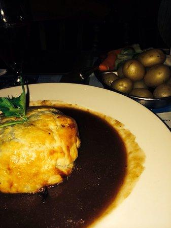 BEST WESTERN PLUS Rogerthorpe Manor Hotel: Amazing beef Wellington