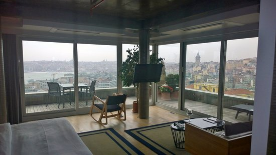 Witt Istanbul Suites: Penthouse View!