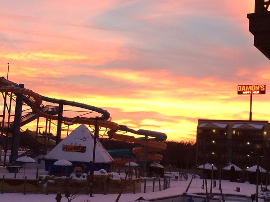 Kalahari Resorts & Conventions: Sunset from Nomad room