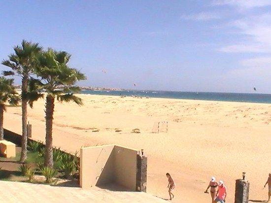 Crioula Club Hotel & Resort: Panoramica della spiaggia