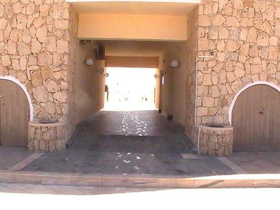 Crioula Club Hotel & Resort: Ingresso alla spiaggia