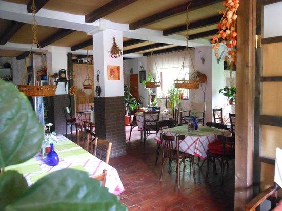Bistro-Pension La Teleferic: Gourmet area...