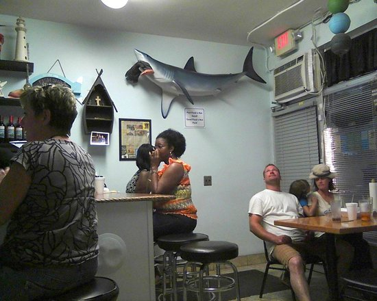 Fish Shack : No-frills decor
