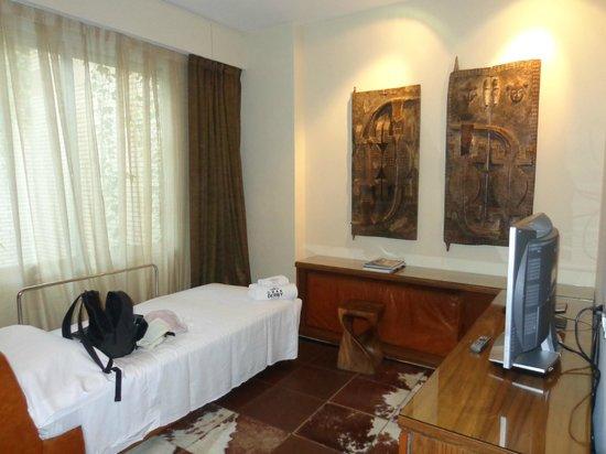 Hotel Gran Derby Suites : Habitacion
