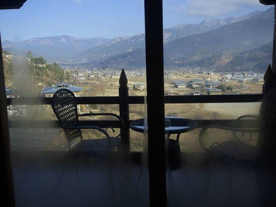 Yugharling Resort: View into the valley